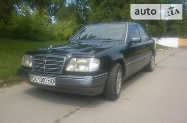 Mercedes-Benz 220 1993 в Остроге