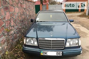 Mercedes-Benz 220 1993 в Ровно