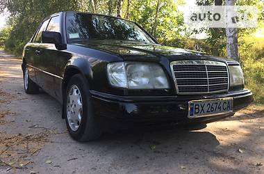 Mercedes-Benz 220 1995 в Деражне