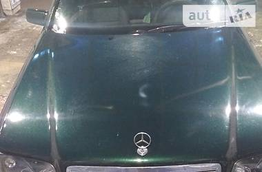 Mercedes-Benz 220 1996 в Днепре