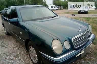 Mercedes-Benz 220 2000 в Киеве