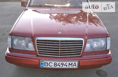Седан Mercedes-Benz 220 1993 в Львове