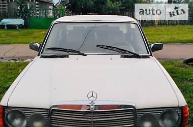 Mercedes-Benz 240 1980 в Раздельной