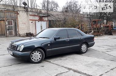 Mercedes-Benz 280 1996 в Запорожье