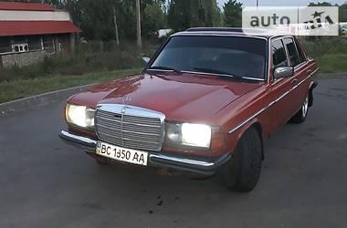Mercedes-Benz 300 1984