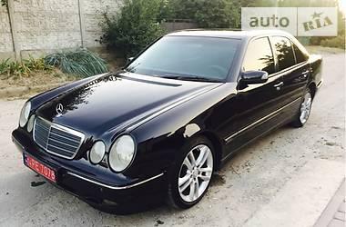 Mercedes-Benz 320 2001