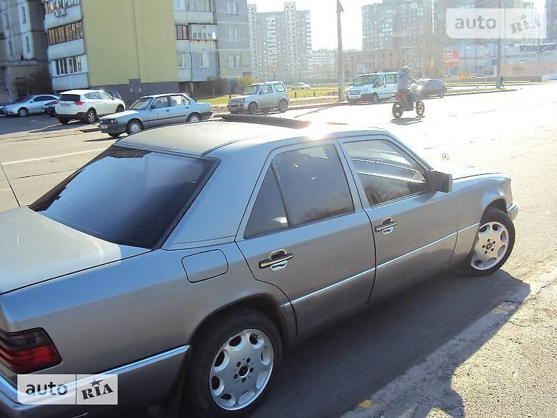 Mercedes-Benz E 200 1988 в Киеве
