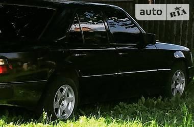 Mercedes-Benz E 200 1993 в Черновцах