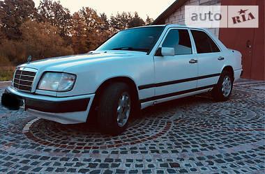 Mercedes-Benz E 200 1987 в Костополе