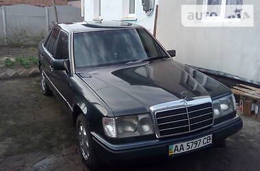 Mercedes-Benz E 200 1989 в Чернигове