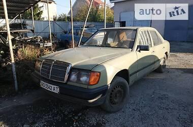 Mercedes-Benz E 200 1986 в Ужгороде