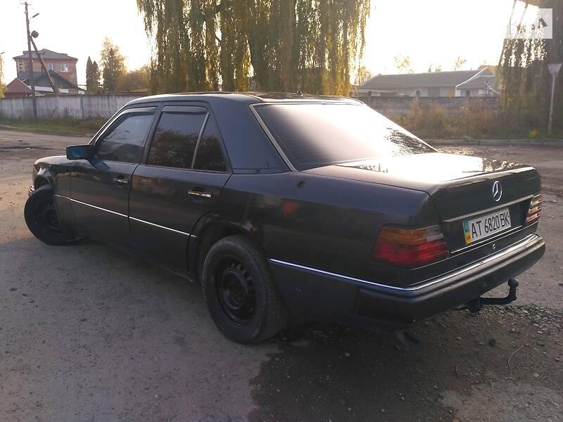 Седан Mercedes-Benz E 200 1991 в Ивано-Франковске