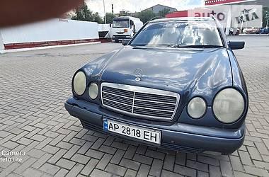 Унiверсал Mercedes-Benz E 200 1998 в Запоріжжі