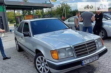 Седан Mercedes-Benz E 200 1989 в Коломые