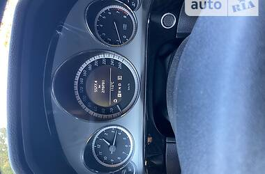 Седан Mercedes-Benz E 200 2010 в Рівному