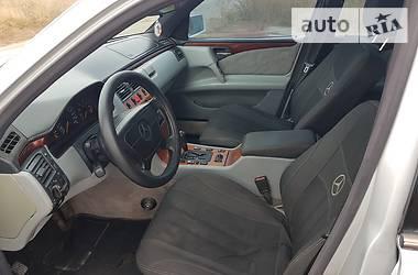 Седан Mercedes-Benz E 200 1998 в Бердянске