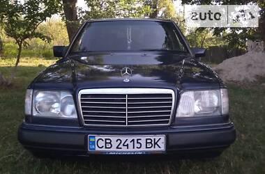Mercedes-Benz E 220 1994 в Носовке