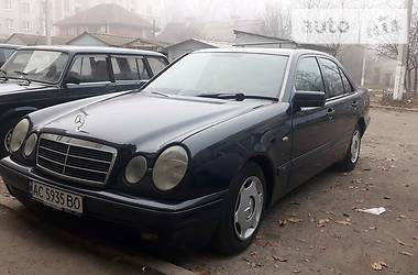 Mercedes-Benz E 220 1997 в Луцке