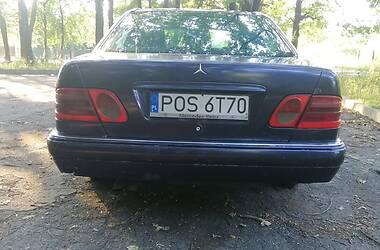 Седан Mercedes-Benz E 220 1998 в Полтаве