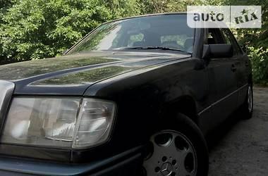 Mercedes-Benz E 230 1986 в Харькове