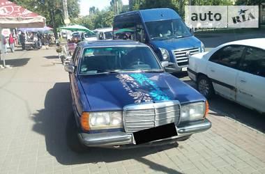 Mercedes-Benz E 240 1980 в Киеве