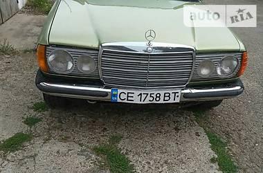 Седан Mercedes-Benz E 240 1983 в Черновцах