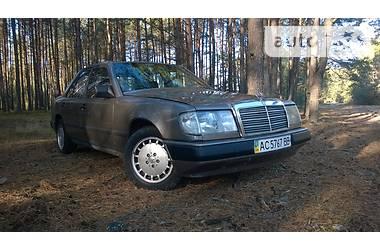 Mercedes-Benz E 250 1988 в Луцке