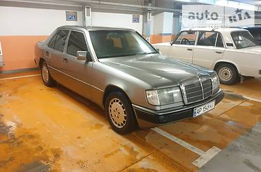 Mercedes-Benz E 260 1992 в Запорожье