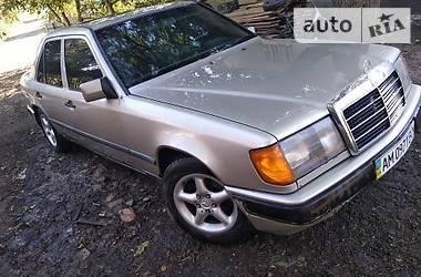 Mercedes-Benz E 260 1988 в Шумске
