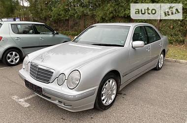 Mercedes-Benz E 270 2000 в Черновцах