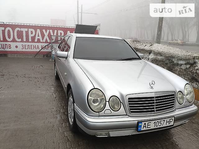 Mercedes E-Class 1999 года в Днепре (Днепропетровске)
