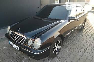 Седан Mercedes-Benz E 280 2000 в Новомосковске