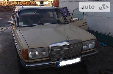 Mercedes-Benz E 300 1984 в Києві