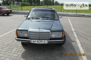 Mercedes-Benz E 300 1983 в Покровську