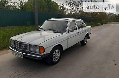 Mercedes-Benz E 300 1985 в Каменец-Подольском