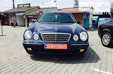 Mercedes-Benz E 320 2001 в Черновцах