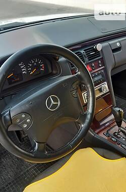 Mercedes-Benz E 320 2001 в Ковеле