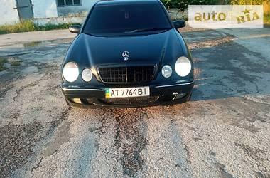 Седан Mercedes-Benz E 320 2000 в Сокирянах