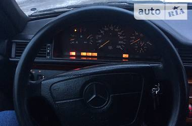 Mercedes-Benz E-Class All-Terrain 1989 в Луцке