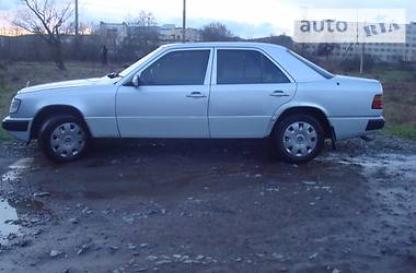 Mercedes-Benz E-Class 1986