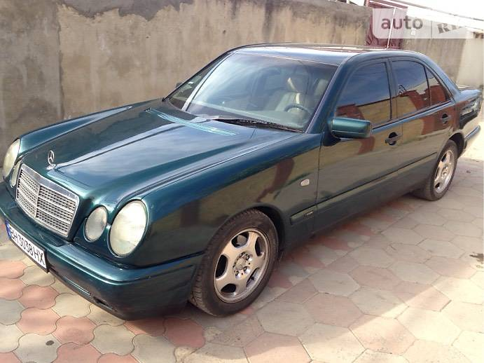 Mercedes-Benz E-Class 1996 в Одессе