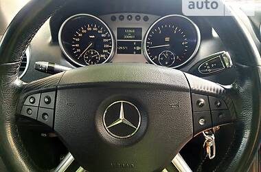 Позашляховик / Кросовер Mercedes-Benz ML 320 2006 в Кам'янець-Подільському