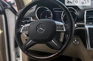 Позашляховик / Кросовер Mercedes-Benz ML 350 2012 в Києві