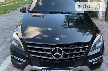 Позашляховик / Кросовер Mercedes-Benz ML 350 2013 в Дніпрі