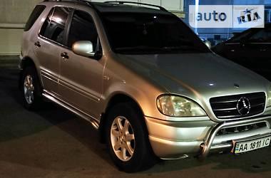Внедорожник / Кроссовер Mercedes-Benz ML 430 2000 в Киеве