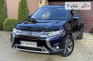 Универсал Mitsubishi Outlander 2018 в Киеве