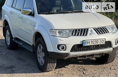 Позашляховик / Кросовер Mitsubishi Pajero Sport 2012 в Черкасах