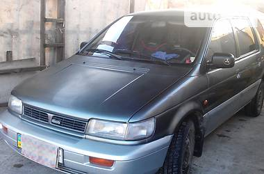Mitsubishi Space Wagon  1992