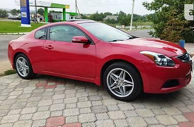 Купе Nissan Altima 2011 в Токмаку