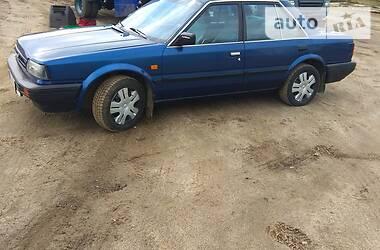 Седан Nissan Bluebird 1988 в Горохове